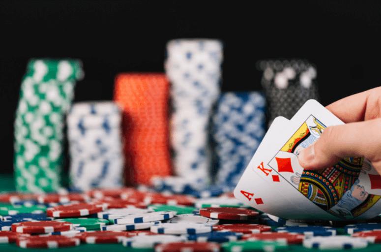 Pusing Karena Gaji Pas-pasan, Daftar Poker Online Terbaik Saja